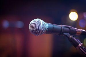 Micro sur scène